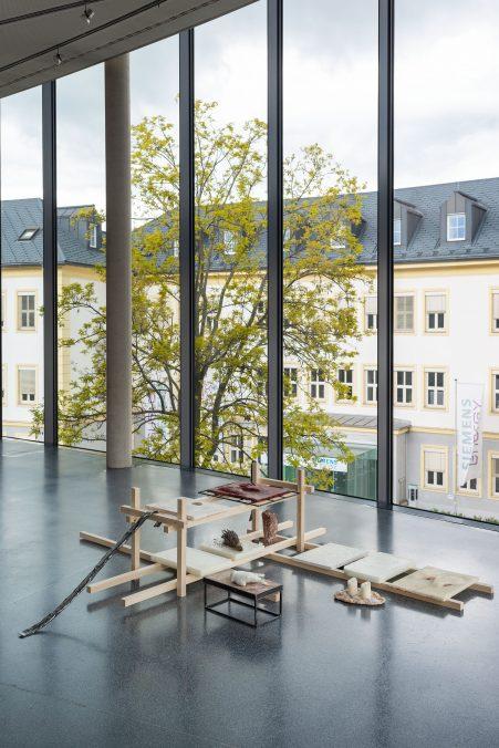 alles was im schatten wächst invited by Georg Köhler curated by Jakob Kolb