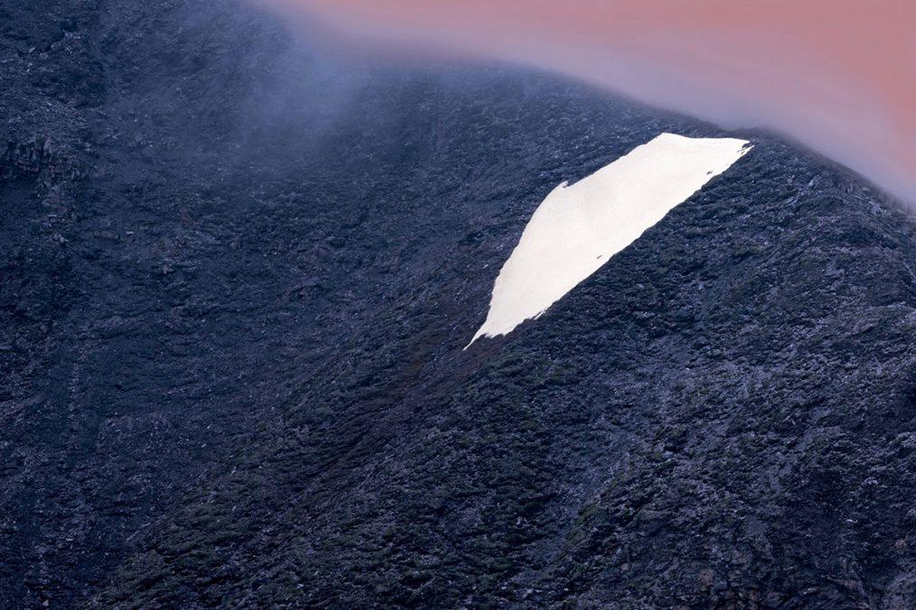 Yvonne Oswald, Alpenblick – Schneeschmelze, 2019, 100×150 cm