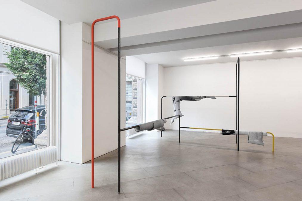"""""""MOTION INTO BEING"""" REFRAMED, Ausstellungseinblick 2021, Sofie Thorsen, Spielplastiken, 2013, (c) the Artist, Foto: eSeL.at - Joanna Pianka"""
