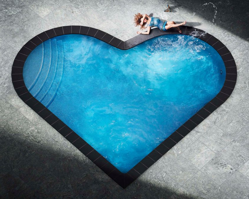 David Drebin Splashing Heart, 2018 © David Drebin / teNeues