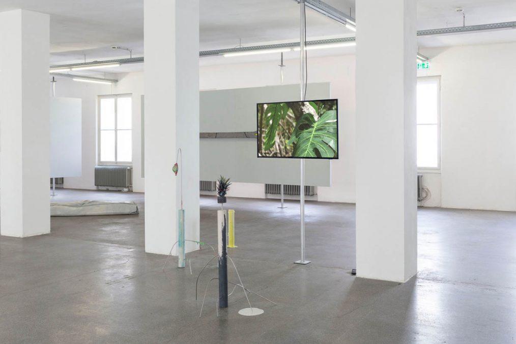 Ausstellung. Pending Objects
