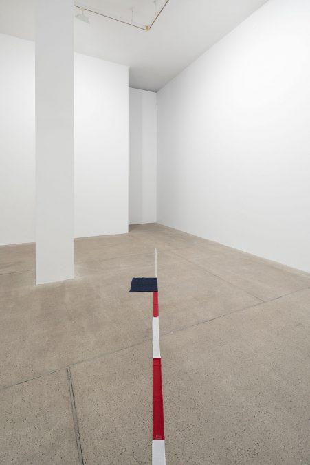 Francesco Arena, Terza mostra: tre cose, 2021, Installation view at Galleria Raffaella Cortese, Milano, Ph. Roberto Marossi