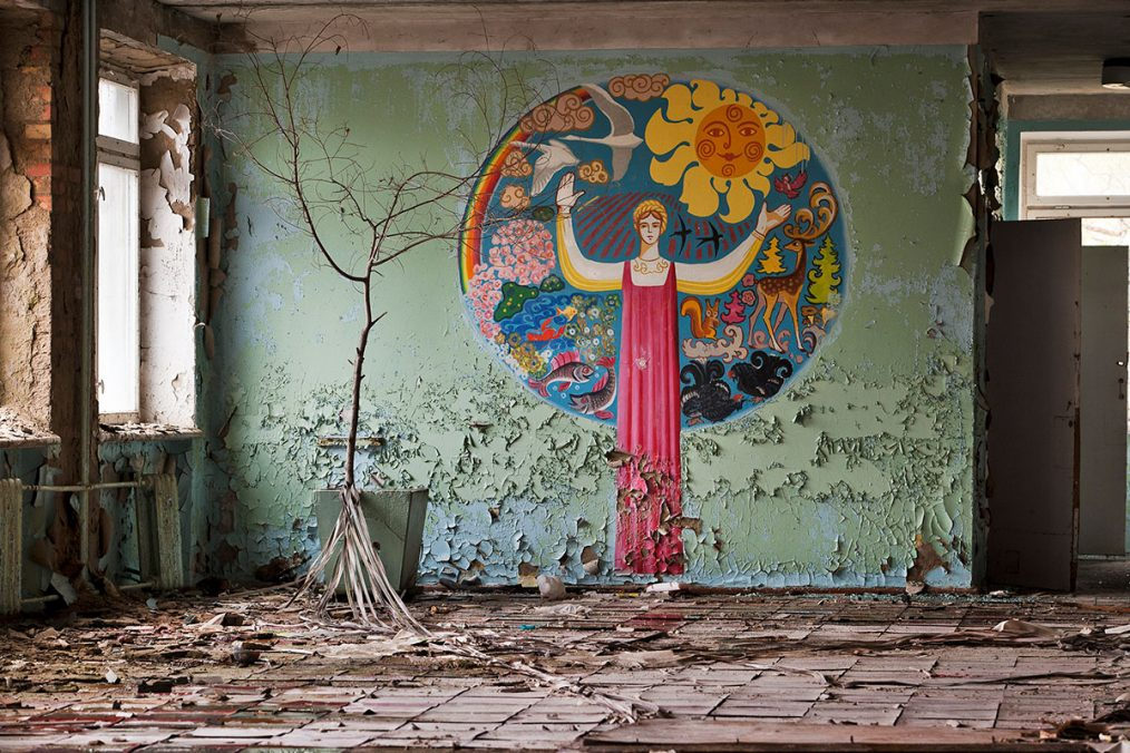 Prypjat, Ukraine, 2005. Wandmalerei in einer verlassenen Schule.