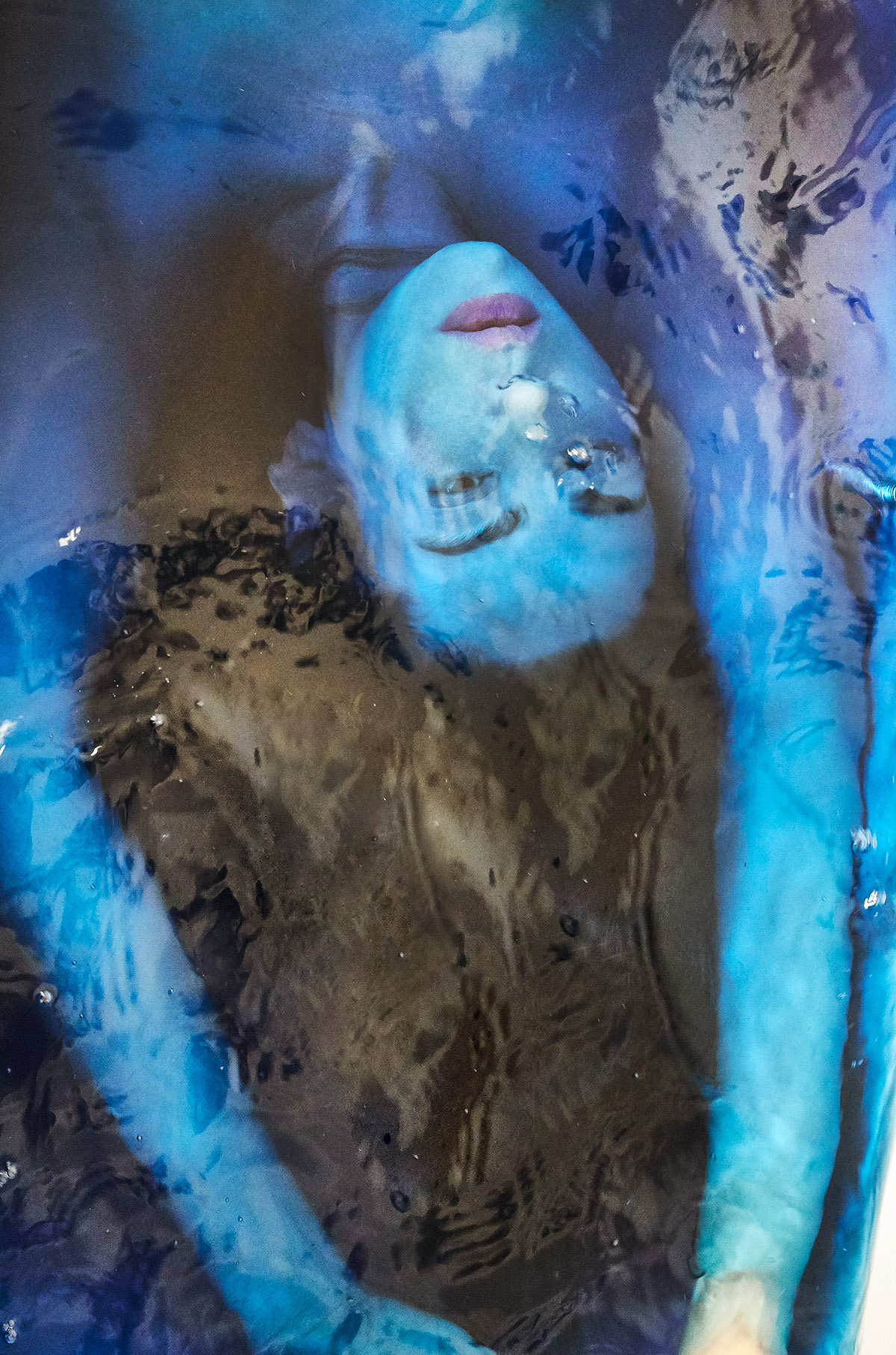 Selfportrait Hilde van Mas, submerged, 2021