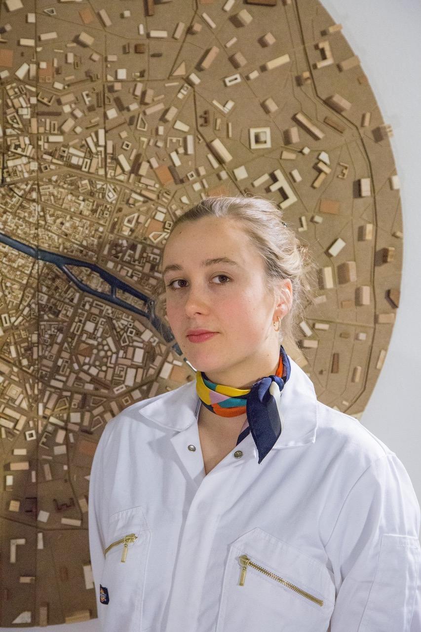Bühnen- und Kostümbildnerin Petra Schnakenberg