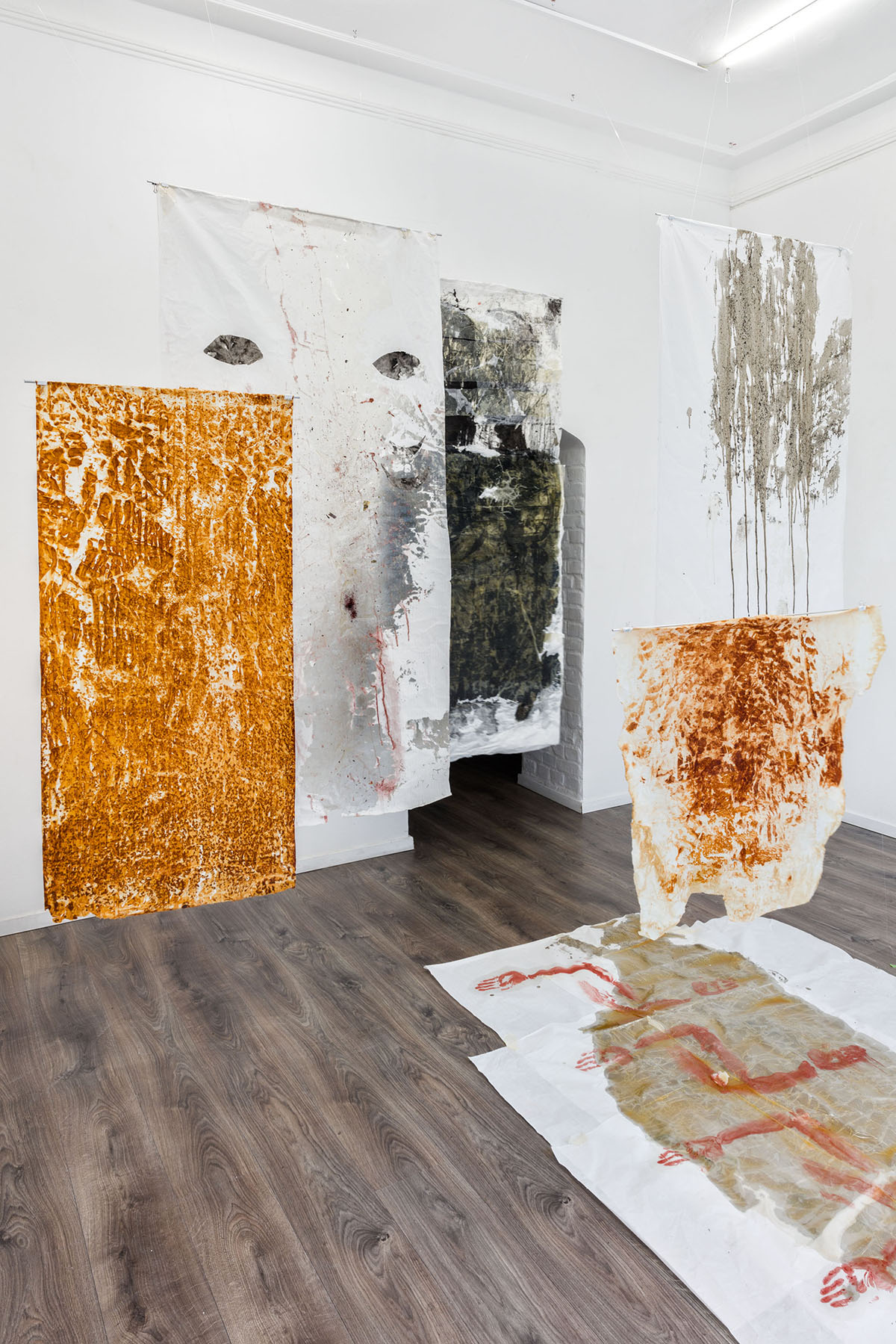 """,,Temple"""", mixed media on japanesse paper, dimensions variable, installation view from group exhibition ,,Changing matters"""" in Galerie Meno Parkas in Düsseldorf, 2021, curated by Marius Hoppe (foto credits: Johannes Bendzulla)"""