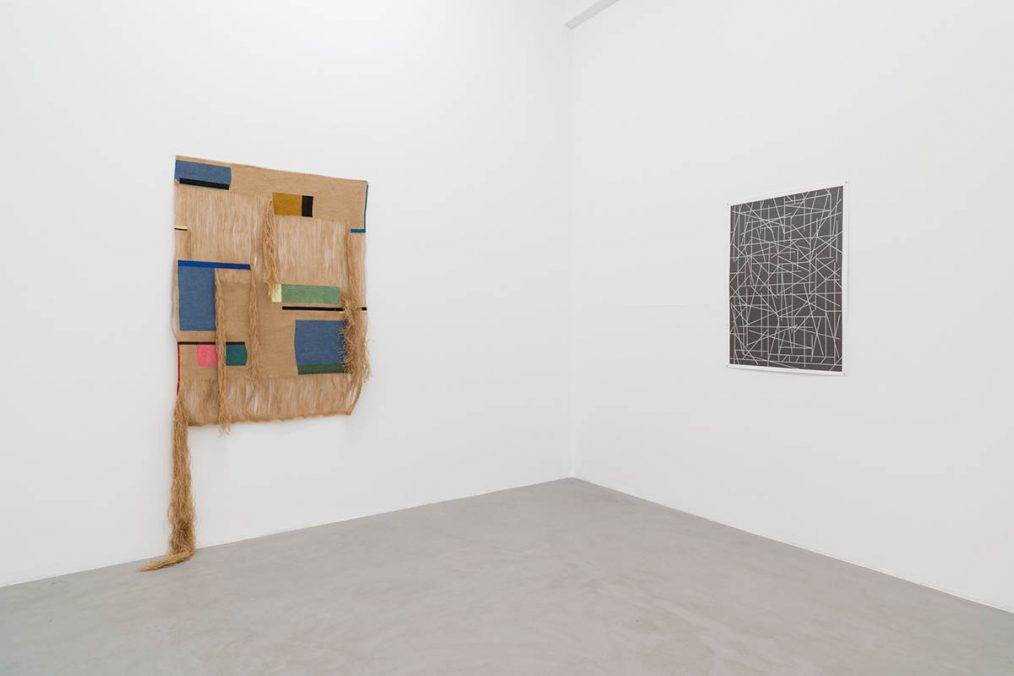 kajetan presents | Ausstellungsansicht 2021 | Exhibition view 2021 | Von links nach rechts: | From left to right: Ingrid Lønningdal, Marc Nagtzaam | Courtesy the artists & kajetan Berlin | Photo: Marcus Schneider