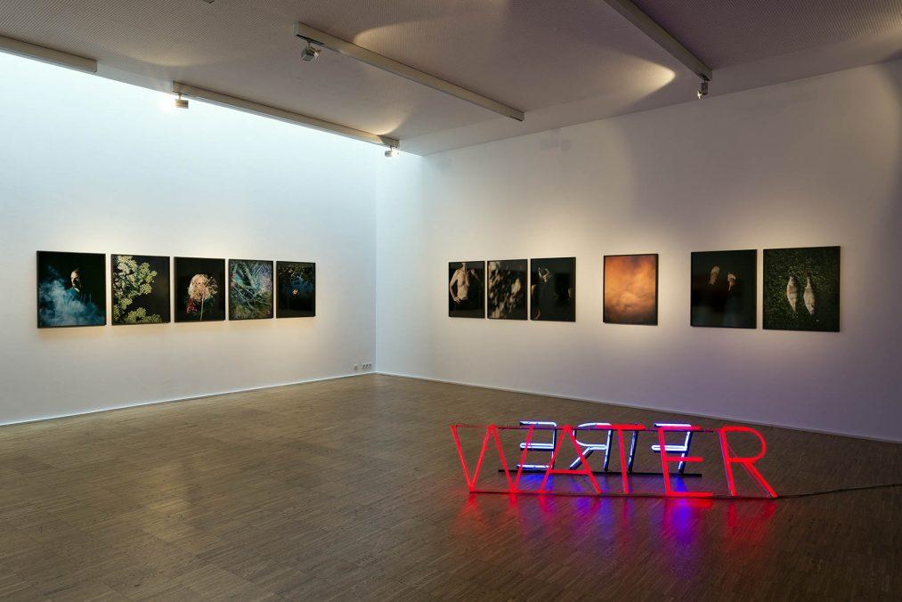 """Installationsansichten Einzelschau """"Every Shade an Image - Katharina Gruzei"""", Maerz Künstler- und Künstlerinnenvereinigung Linz, Feb/März 2021"""
