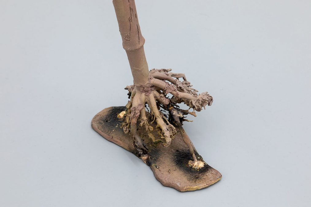 Luca Francesconi, Xenoestrogeno, 2021, bronze, cm 175 x 52 x 30 cad., Photo: Danilo Donzelli (detail)