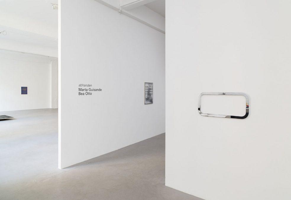 Marta Guisande | Bea Otto | abhanden | Exhibition view 2021 | From left to right: Bea Otto | Marta Guisande | Marta Guisande | Bea Otto |  Courtesy the artists & kajetan Berlin | Photo: Marcus Schneider
