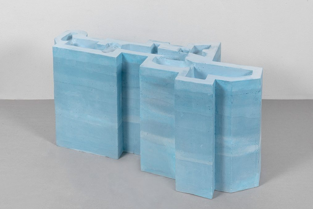 Connected Pools, 2020 Plaster, pigment color and paint 30 × 57,3 × 26,7 cm Ed. Unique in a series of 2 + 1 AP Courtesy of the Artist and Galleria Raffaella Cortese, Milan Photo: Lorenzo Palmieri