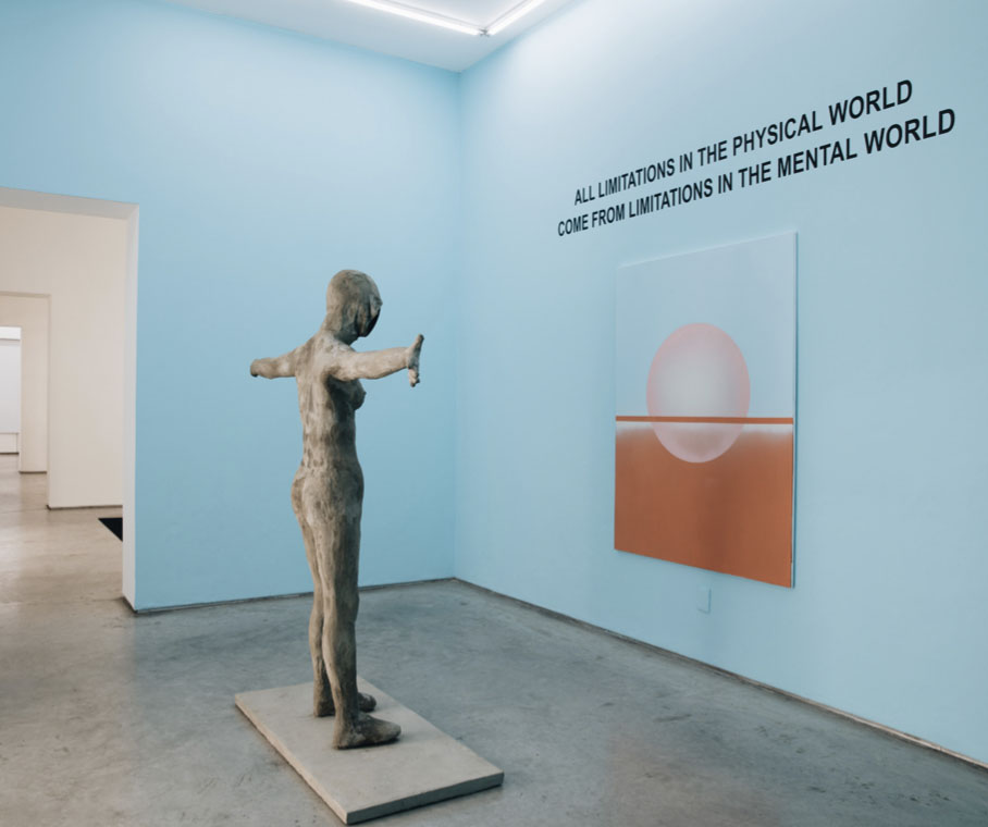 """Solo Ausstellung view """"The mystery of number 3"""", 2019, Galeria Enrique Guerrero, Mexico City. Foto von Galeria Enrique Guerrero."""