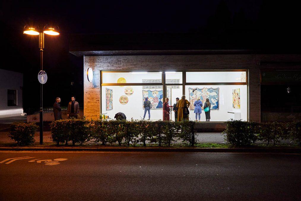 Spencer Chalk-Levy, Heavens & Threads, 2021. Installation view at Galerie3 Velden | Photo: Johannes Puch