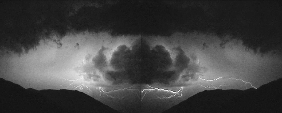 """""""The Fate of Energy"""", 2002, miniDV video trasferito in HD, 01:20 min. MiniDV video transferred on HD, 01:20 min. Nomas Foundation Collection, Roma"""