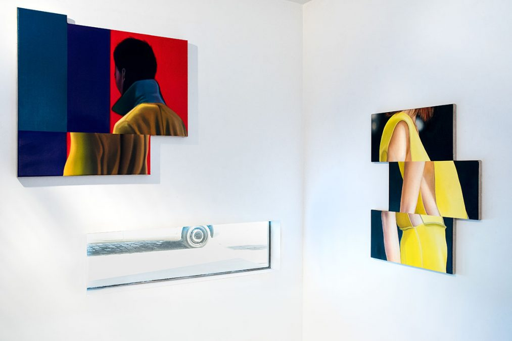 From left to right: Thorben Eggers, Suchergebnis 6, oil on canvas, 80 x 73 cm, 2019   Thorben Eggers, Gelb, oil and lacquer on canvas, 72 x 60 cm, 2017. Solo Exhibition, Front Room, Tatjana Pieters Gallery, Gent, 2020. Photo: Kelly Van Looveren