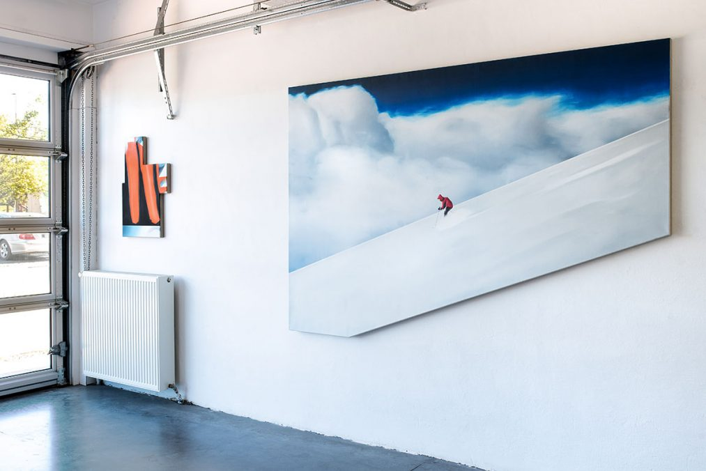From left to right: Thorben Eggers, Transformation_3, oil on canvas, 83 x 57 cm, 2019   Abfahrt, oil and lacquer on canvas, 170 x 250 cm, 2017. Solo Exhibition, Front Room, Tatjana Pieters Gallery, Gent, 2020 Photo: Kelly Van Looveren